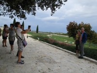 7 Joceline et Damien immortalisés avec Castello del Monte dans le fond