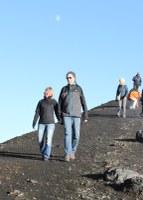 Sonia et Marcel Andenmatten sur un volcan