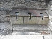 reconstitution de toilettes à eau courante, rien qu'à plonger la main devant soi..JPG